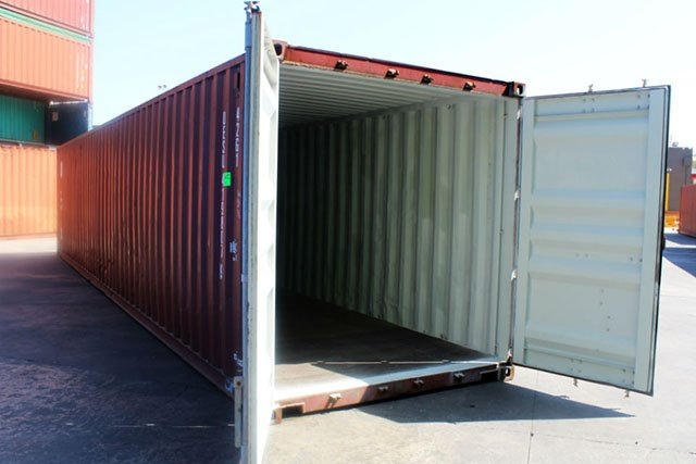 Helpful Tips to Open Shipping Container Doors - ContainerSpace