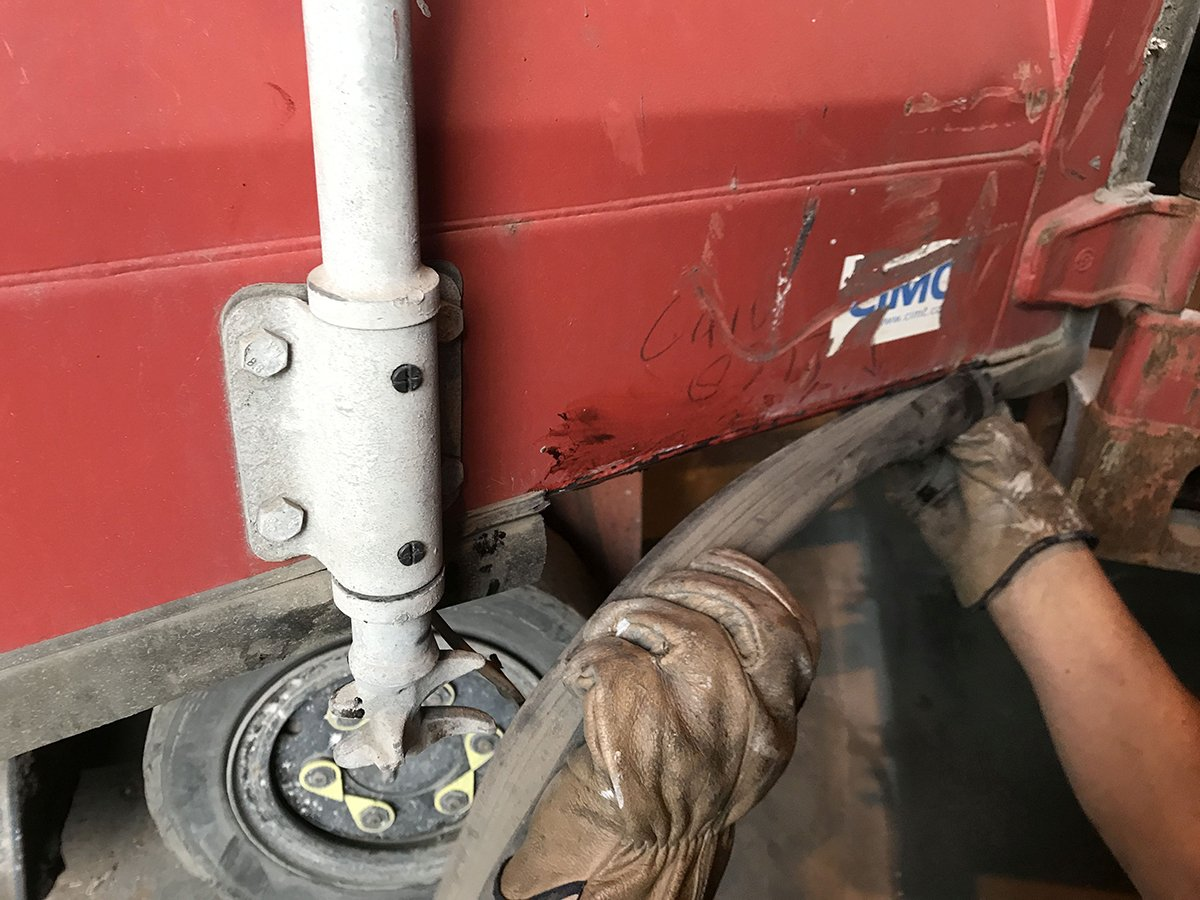 repairing a shipping container door seal or gasket